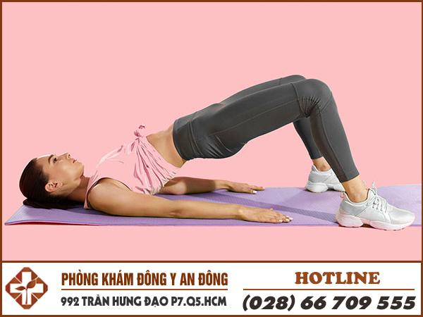 bai tap yoga tu the cay cau