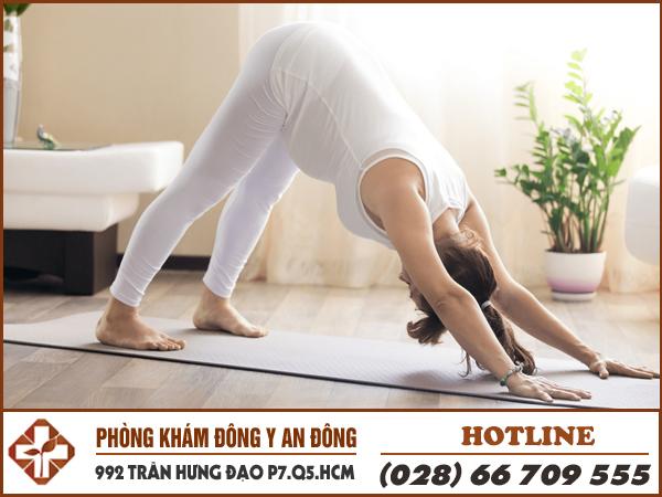 tao yoga chua dau lung duoc khong
